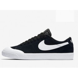 CHAUSSURES NIKE SB BLAZER ZOOM LOW XT - BLACK WHITE GUM