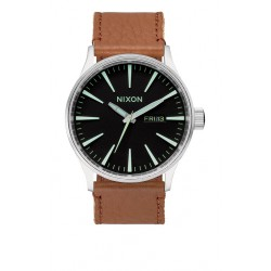MONTRE NIXON SENTRY LEATHER BLACK SADDLE